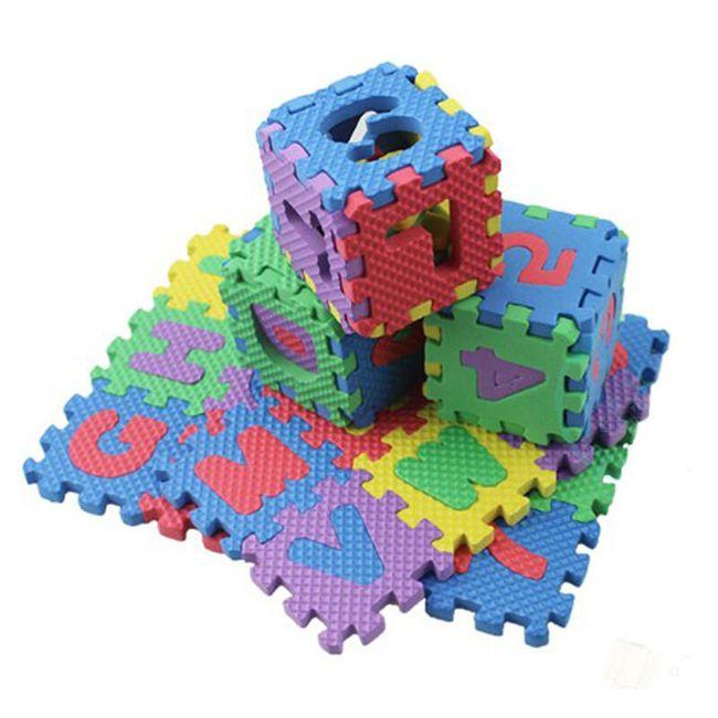 Penaste puzzle s črkami in številkami 1