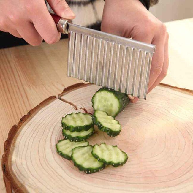 Kráječ vlnkovitý na brambory a zeleninu 1