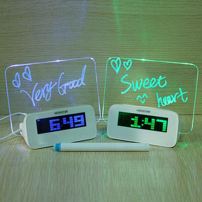 Ceas cu alarma si portiune decorativa luminoasa cu USB 1