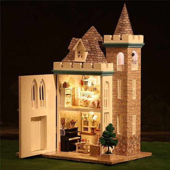 Кукольный домик с освещением 1