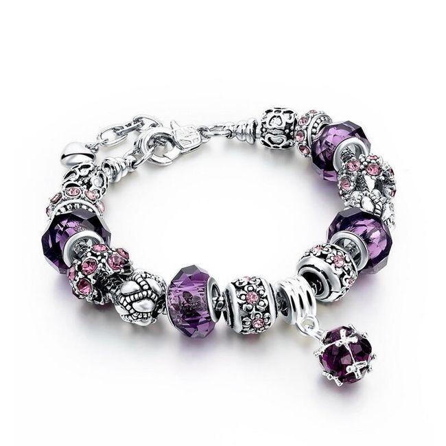Красивы браслет с камнями и подвесками 1