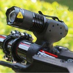 Vodootporna baterija sa držačem za bicikl i zumiranjem