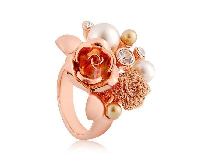 Prstýnek s květinou a perlami - zlatá barva 1