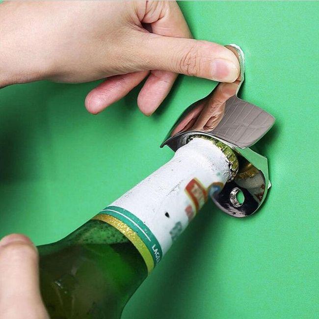 Stenski odpirač za steklenice 1