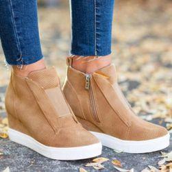 Dámske topánky na kline Miray