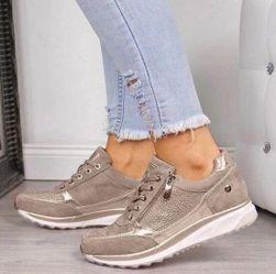 Дамски обувки на платформа Beckky