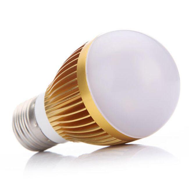 Úsporná 6W LED žárovka  1