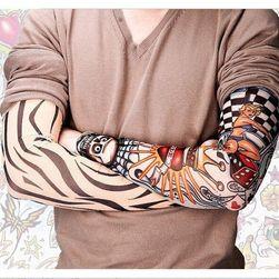 Manecă cu tatuaje Tarina