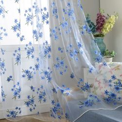 Květinový závěs na okno Modrá