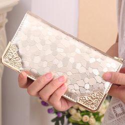 Portofel cu design elegant pentru femei - auriu