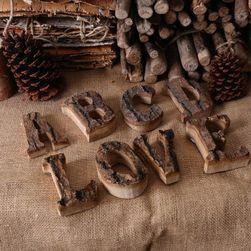 Dřevěná písmena a číslice s kůrou