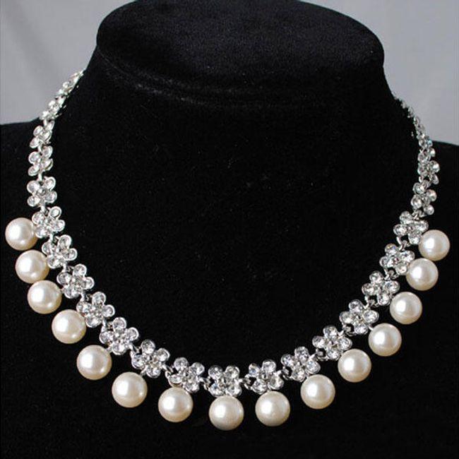 Perlový náhrdelník s kamínky z broušeného skla 1