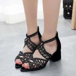 Damskie sandały na obcasie Bernadea