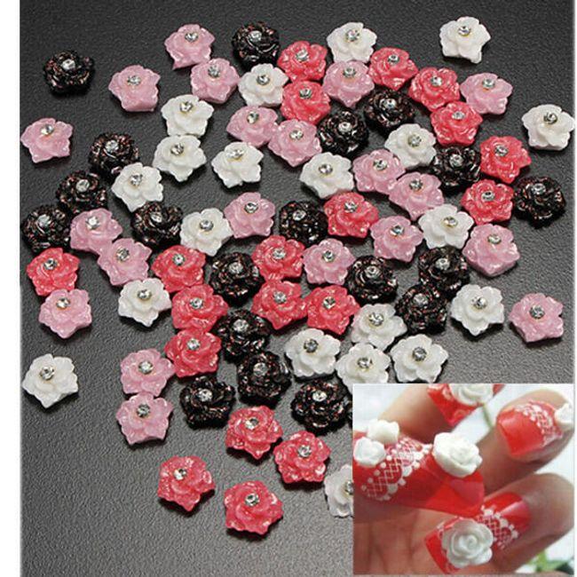 Nalepovací kytičky na nehty s kamínkem ve 3 barvách - balení 20 kusů 1