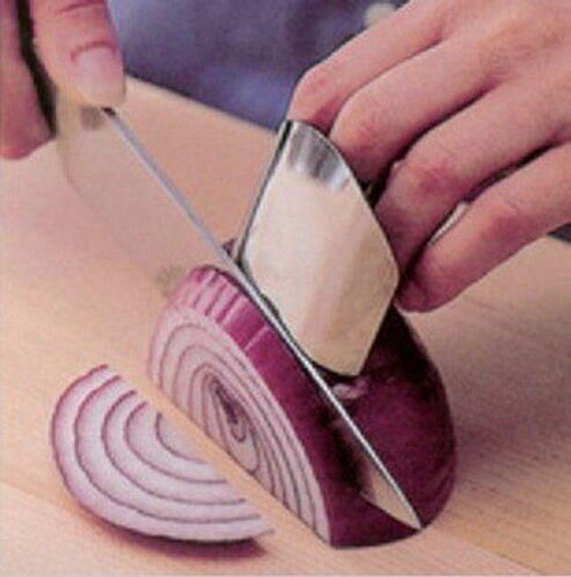 Rozsdamentes acél ujjvédő a vágások ellen 1