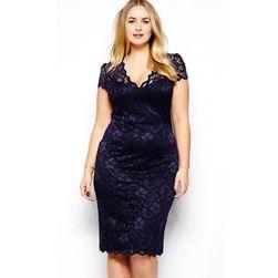 Krajkové šaty v plus size velikostech