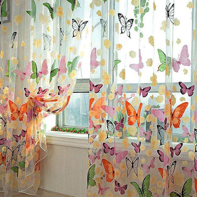 Renkli kelebekler motifi ile perde 1