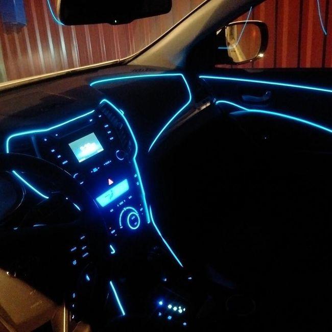 Dekorativna LED traka za auto - 9 boja 1