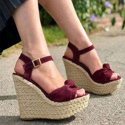 Ženski sandali na platformi Hellyse