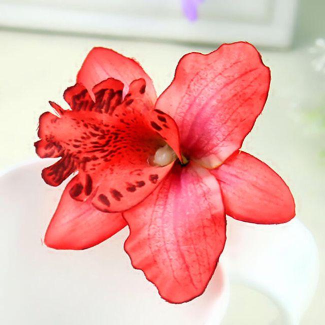 Kytice do vlasů - lilie 1