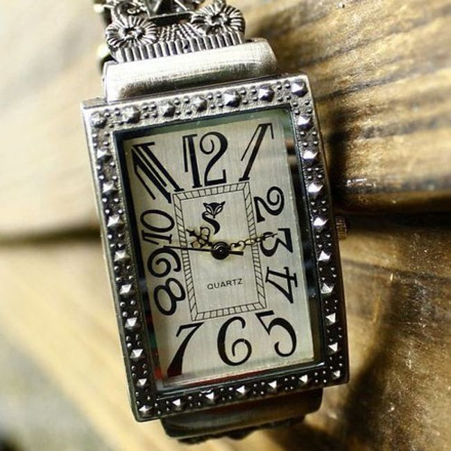 Retro damski zegarek z prostokątną kopertą 1