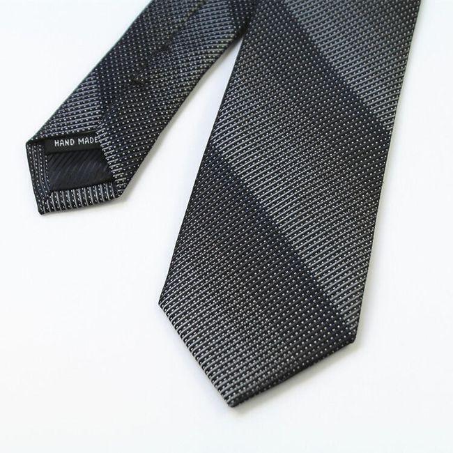 Elegáns férfi nyakkendő.