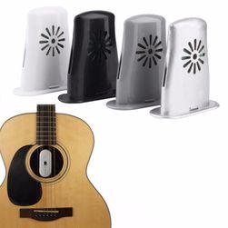 Zvlhčovač pro akustické kytary