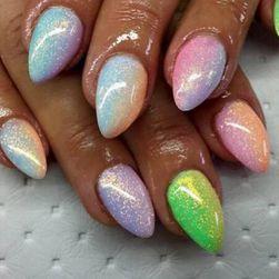 Błyszczący pył na paznokcie - więcej kolorów