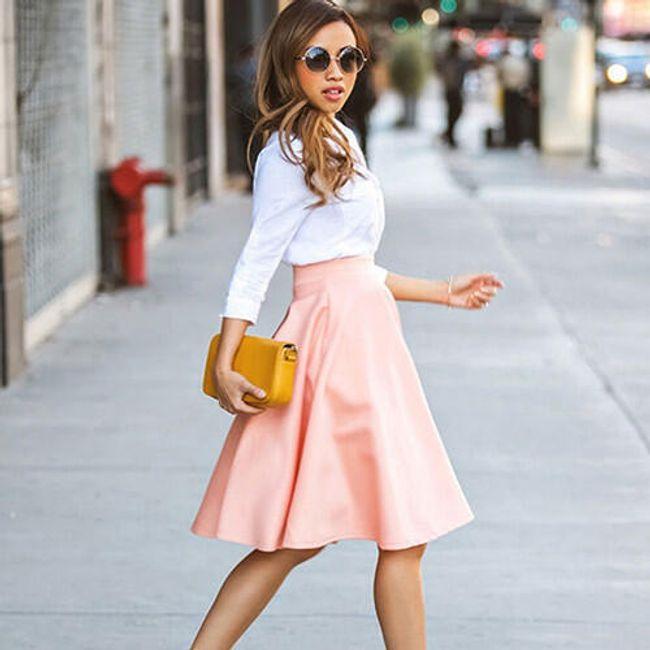 Pastelově růžová sukně do pasu - Velikost č. 2 1