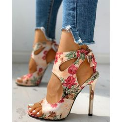 Dámské boty na podpatku Marise