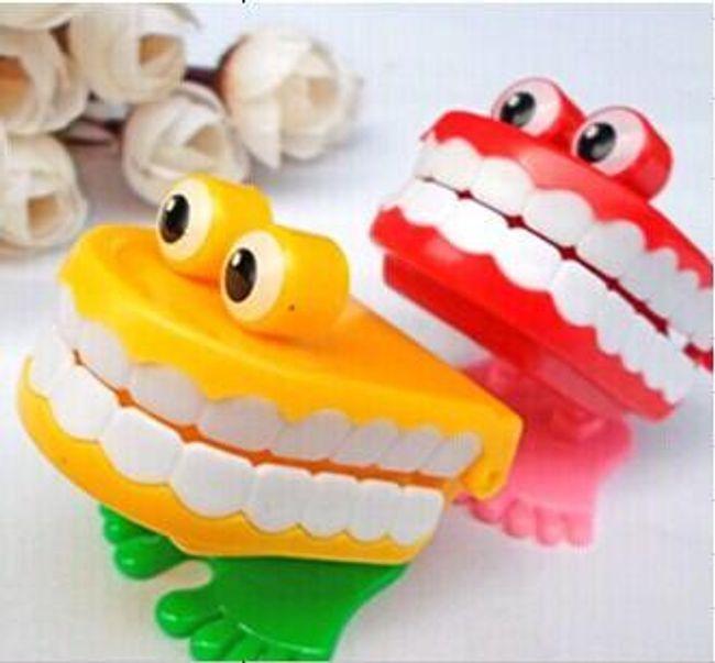 Veselá zubní protéza - žertovný předmět 1