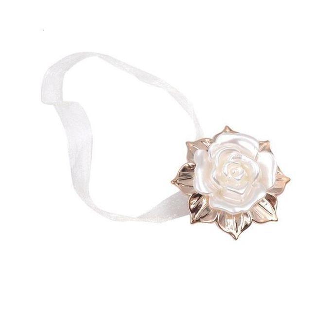 Ozdoba na závěsy - růže 1