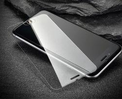 Tvrzené sklo se zaoblenými rohy pro modely iPhone