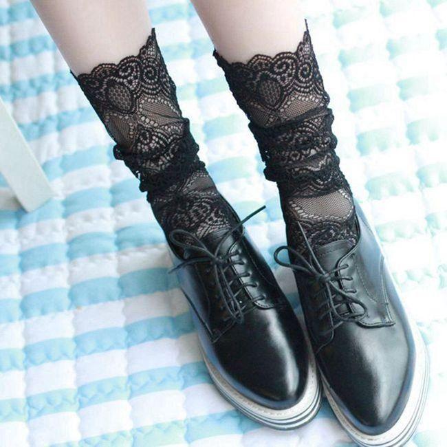 Csipke zokni 2 színben