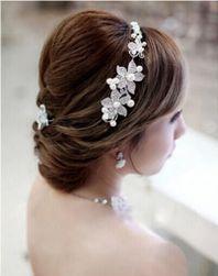 Květinová ozdoba do vlasů