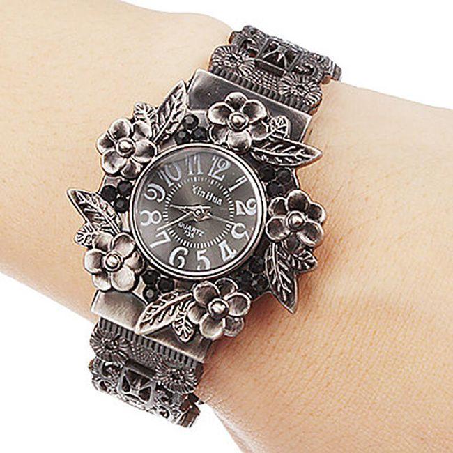 Vintage dámské hodinky s květinovými motivy 1