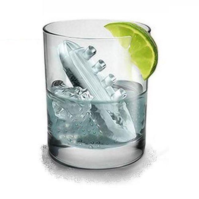 Formička na led ve tvaru Titaniku a ledových ker 1