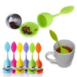 Łyżeczka z praktycznym sitkiem do herbaty