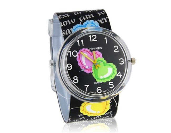 Dziewczęcy zegarek z kolorowymi serduszkami 1