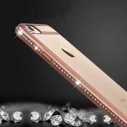 Kryt na iPhone  s třpytivými kamínky