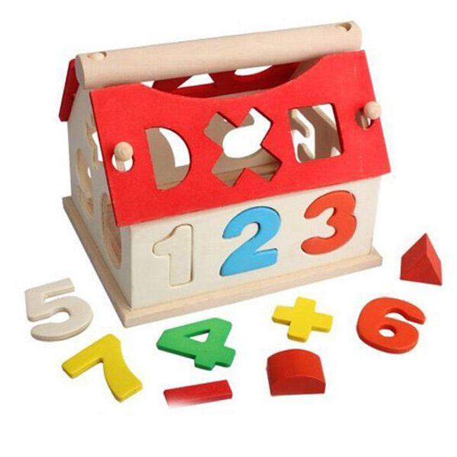 Dřevěný domeček s číslicemi 1