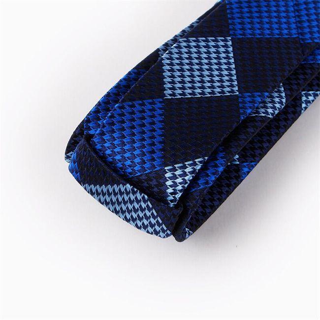 Nyakkendő négyzetekkel