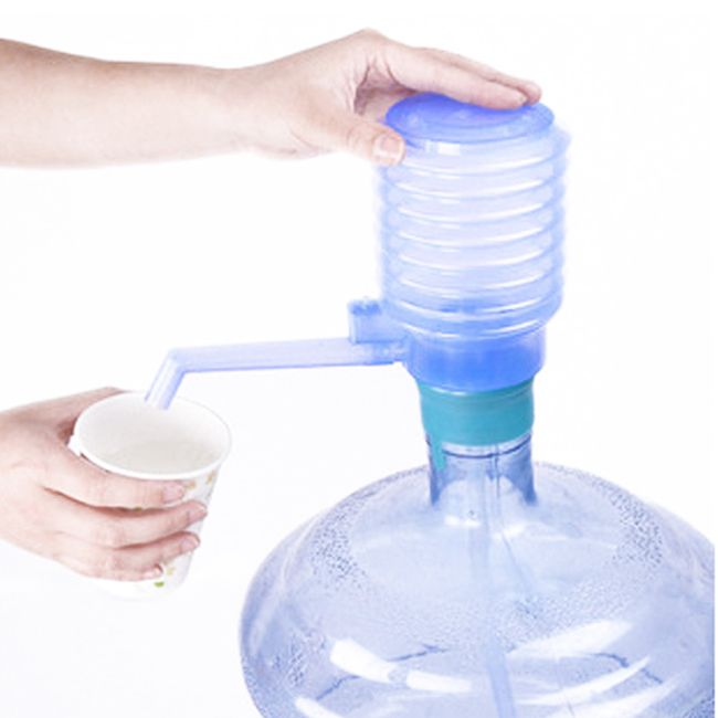 Ruční pumpa pro dávkování vody 1