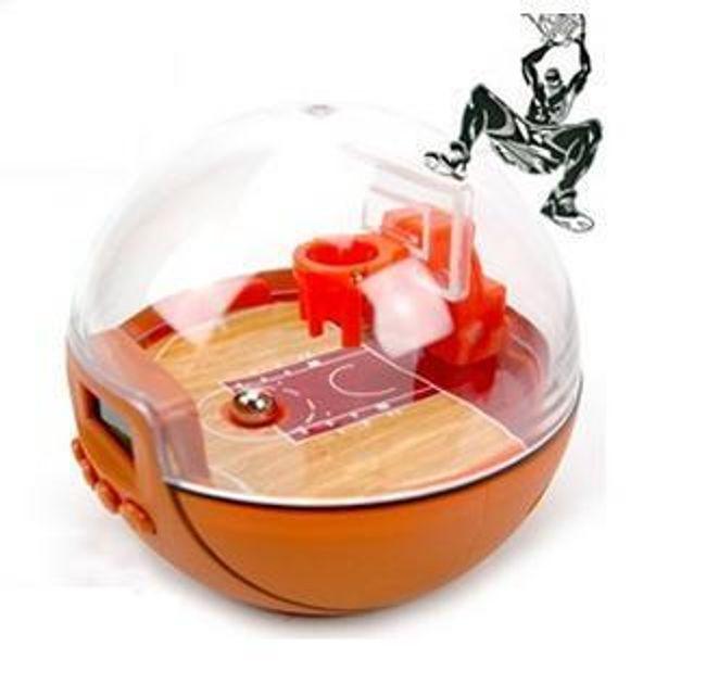 Multifunkční budík v basketbalovém designu 1