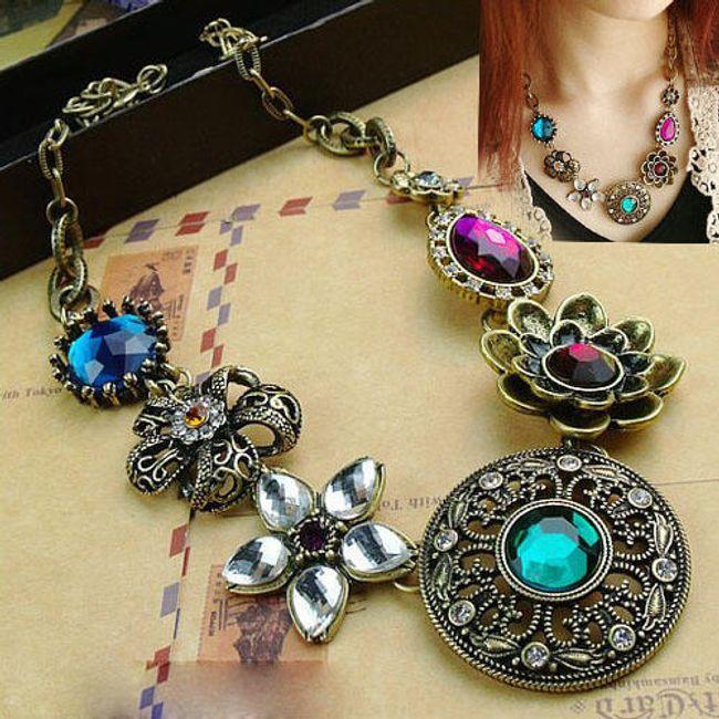 Vintage náhrdelník zdobený barevnými kamínky 1