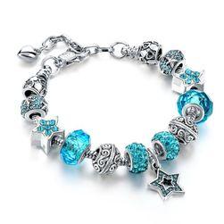 Богато украшенный браслет со звездным подвесом - разные цвета
