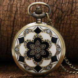 Žepna ura z bogato okrašenim pokrovom