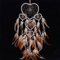 Prinzător de vise cu inimi și pene