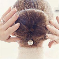 Ukosnica za savršenu frizuru sa belim biserom