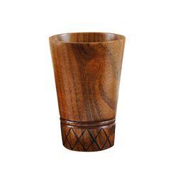 Šálek se vzorem z přírodního dřeva